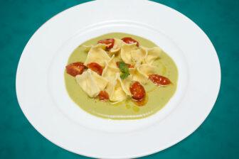 ricetta ravioli ricotta amaretti
